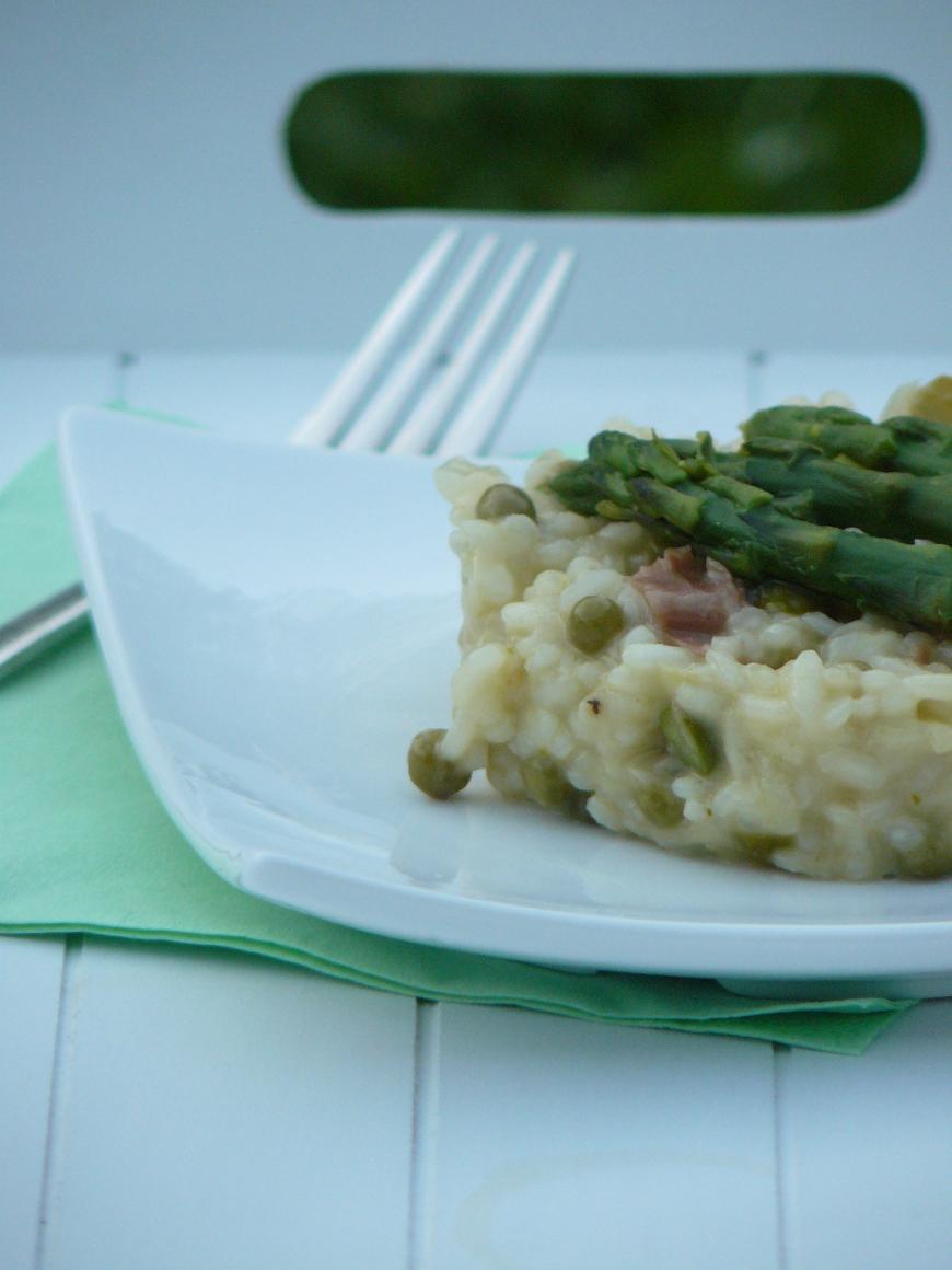 Risotto aux asperges, petits pois et jambon cru486_870