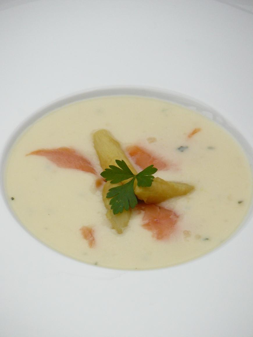 velouté d'asperges au saumon fumé955_870