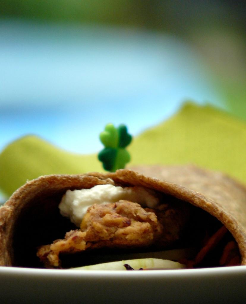 ic, une photo de mon wrap au falafel, légumes et ricotta.